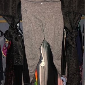 Capri leggings with velvet sides